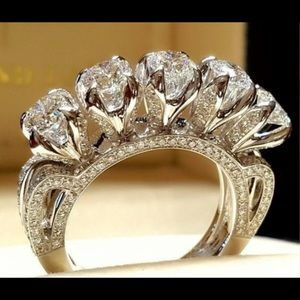 Jewelry - 🔥Beautiful  5 Stone Gemstone Ring🔥